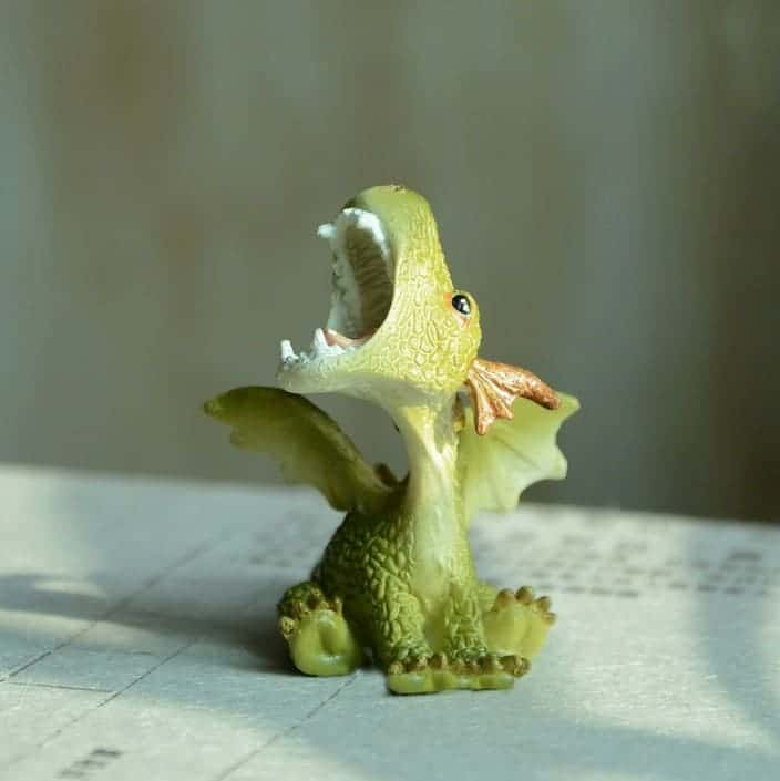 Green Dragon, Roaring Pose