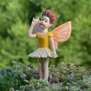 Fairy Avalee, Sign Language