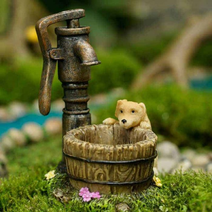 Mini dog with water pump
