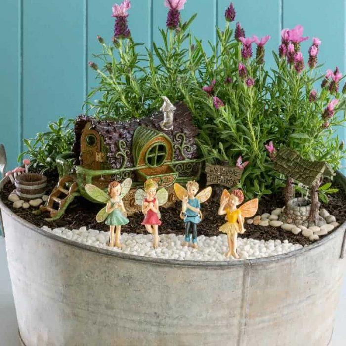 Gypsy Wagon with fairies, premium kit for the garden