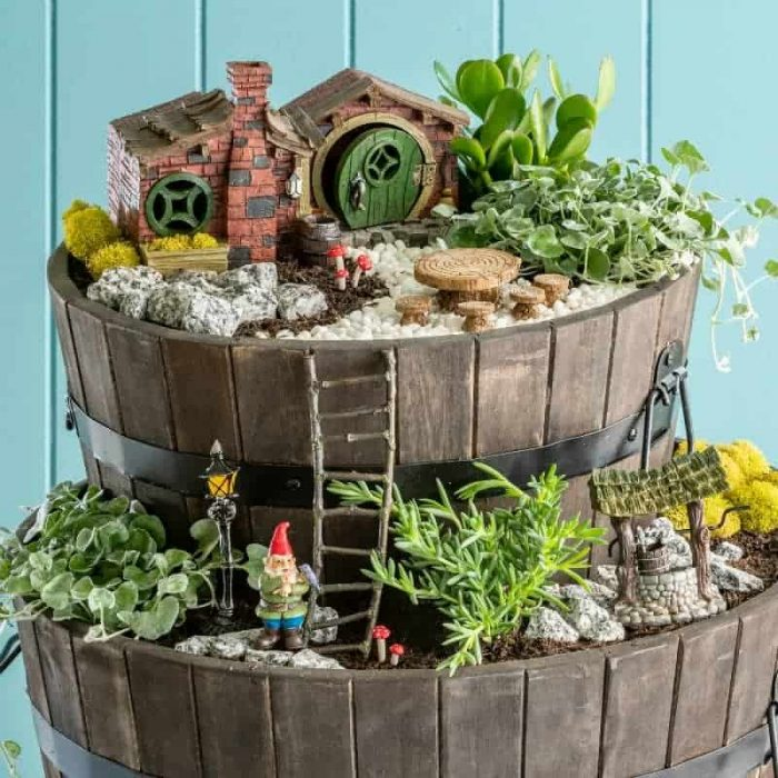 Premium fairy Garden Kit, Hobbit Style House