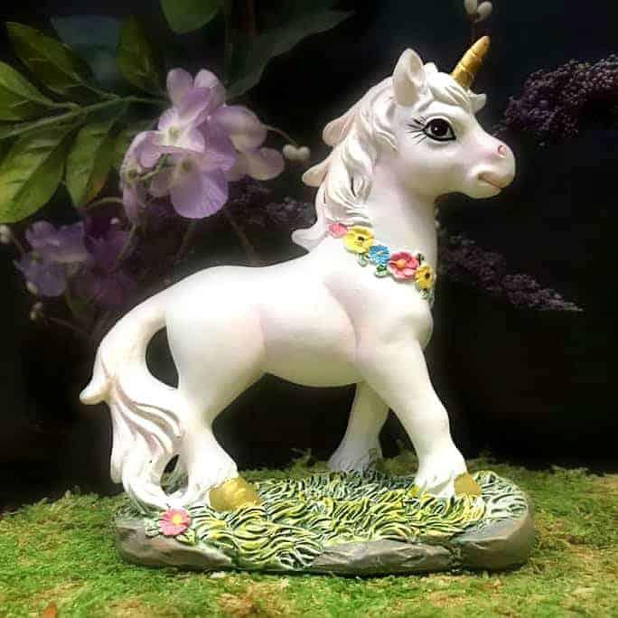 unicorn with flower garland detail