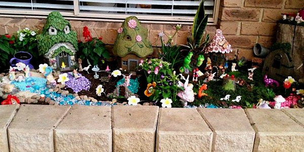 fairy garden ideas, garden bed